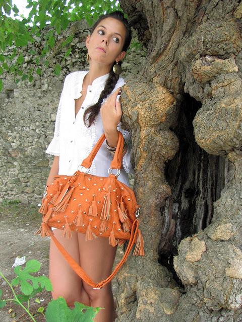 outfit con Ricami e nappine (5)