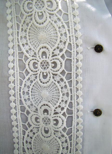 outfit con Ricami e nappine (6)