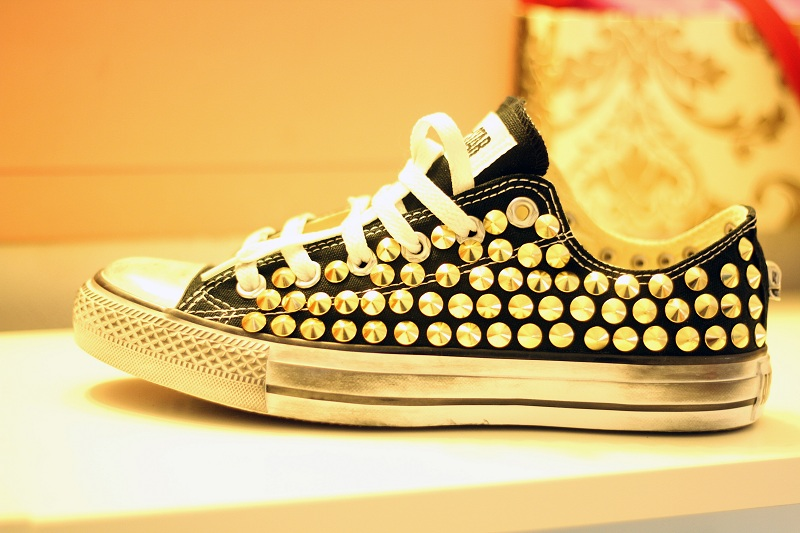 Converse Nere Di Pelle Con Borchie blogunico.it