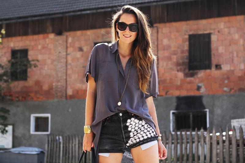 Levi's shorts e camicia oversize - Irene's Closet - Fashion blogger outfit e streetstyle.