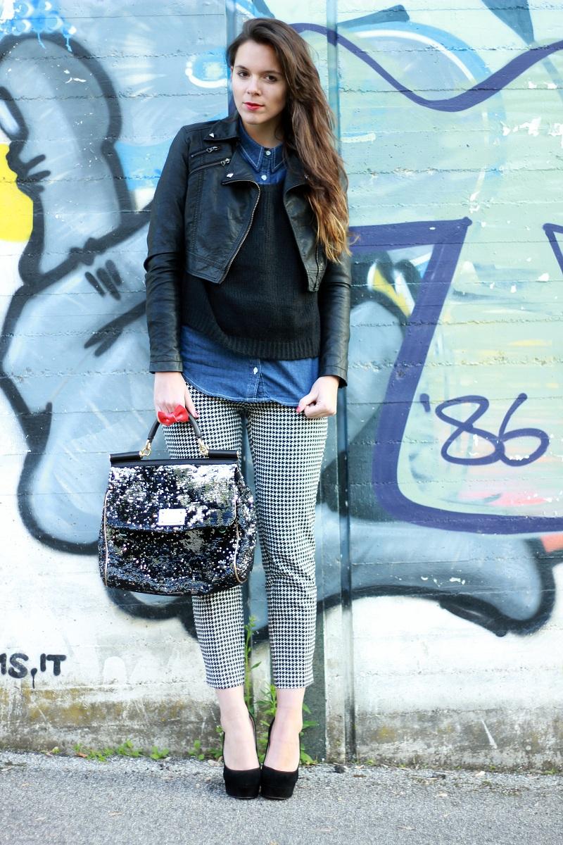 5b67dc1188 Come abbinare la camicia di jeans? 6 outfits, 1 sola camicia ...