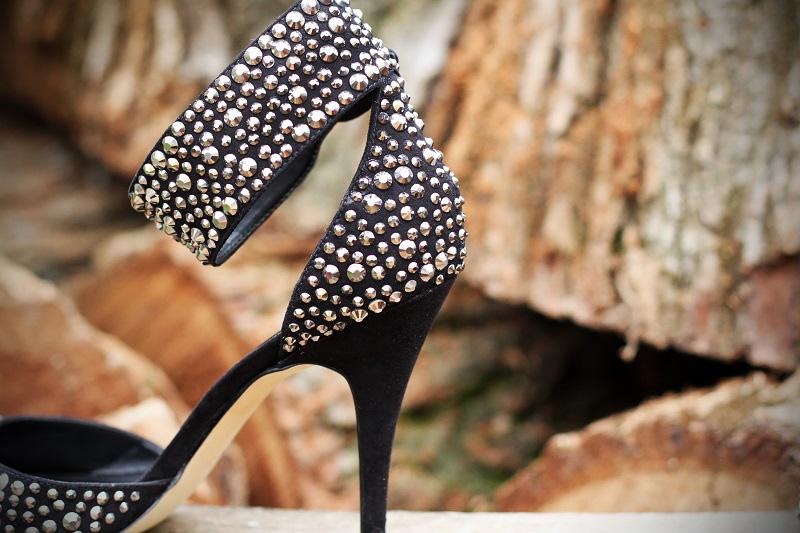 aldo primavera estate 2013 collezione scarpe sandali neri swarovski