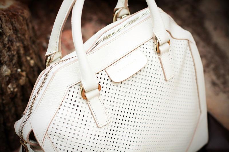 coccinelle primavera estate 2013 borsa bianca traforata