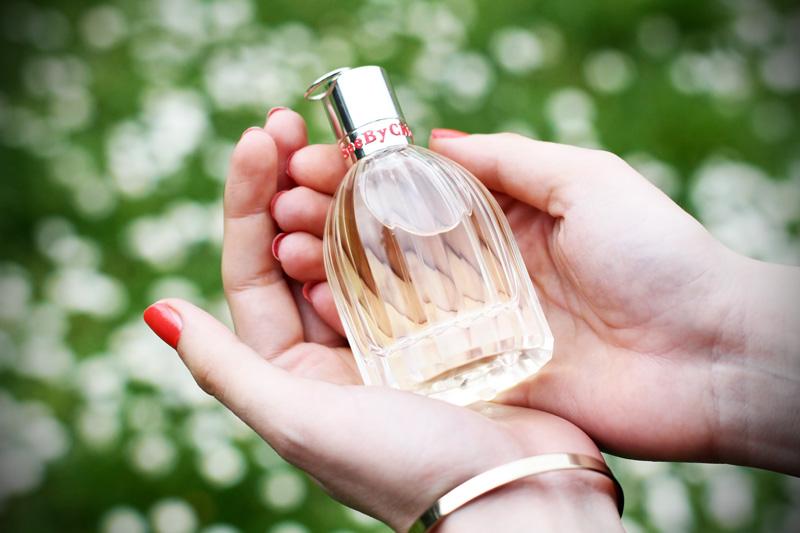 see by chloe profumo parfum campagna pubblicitaria margherite obbligo o verità (2)