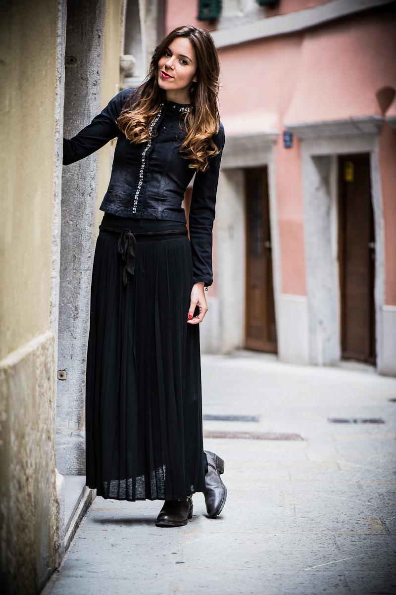 Super Gonna lunga e biker boots | Irene's Closet - Fashion blogger  UH57