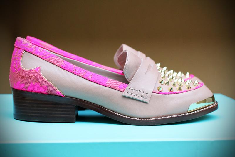 Kurt geiger | scarpe | mocassini | borchie | mocassini borchie | mocassini beige | mocassini fucsia | mocassini decorati 1