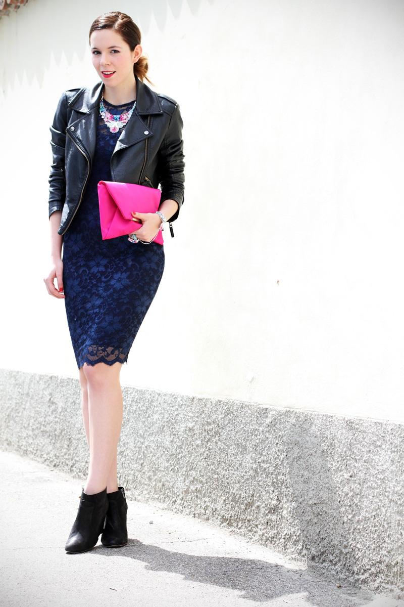 casual chic | outfit | look | streetstyle | look casual | outfit casual | swarovski | vestito pizzo | tubino di pizzo | stivaletti 3