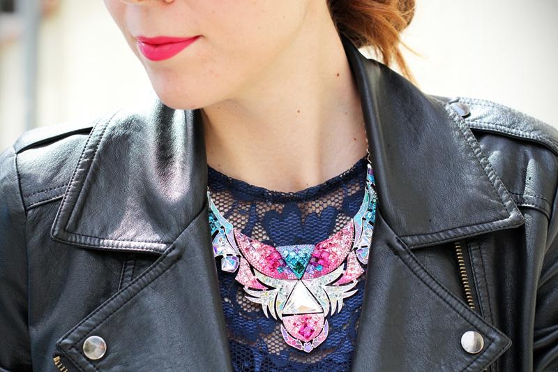 fashion details | dettaglio fashion | collana swarovski | collana colorata | pizzo 1