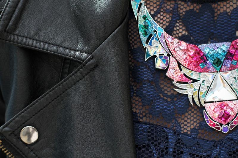 fashion details | dettaglio fashion | collana swarovski | collana colorata | pizzo