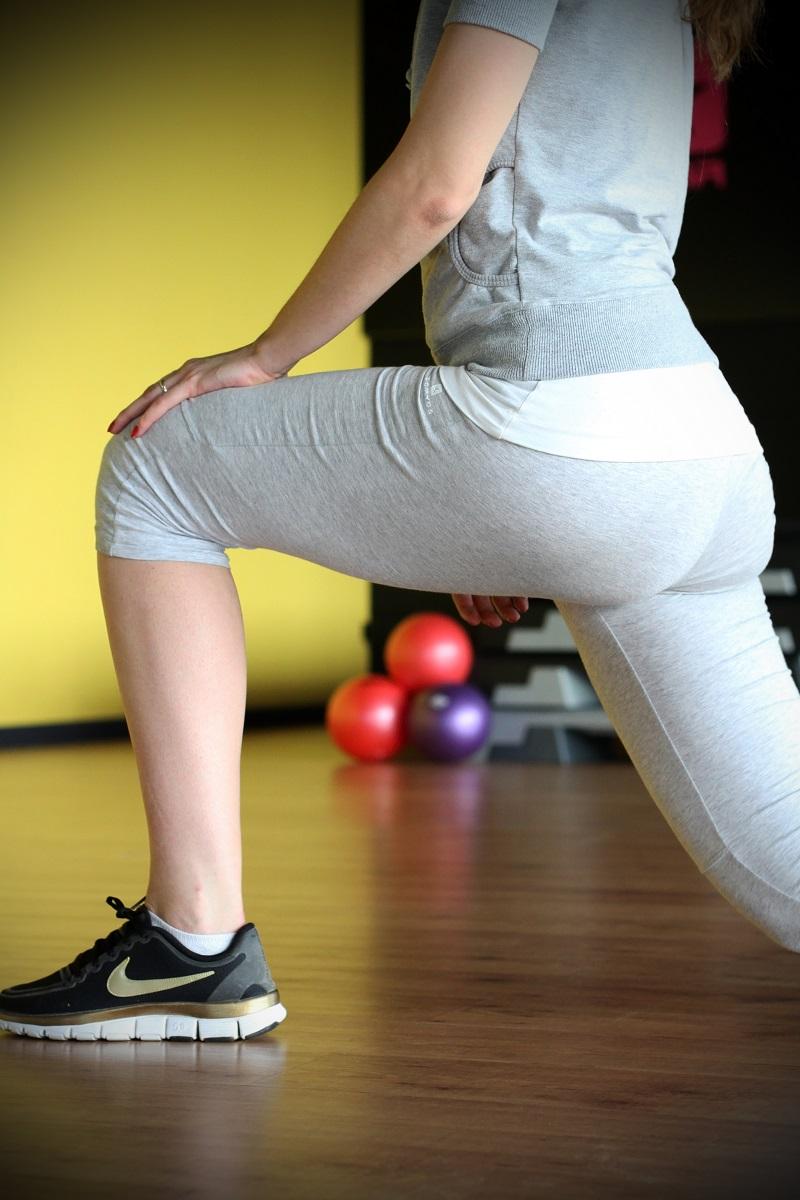 affondi | rassodare i glutei | rassodare sedere | esercizi per rassodare i glutei | esercizi per rassodare | corpo perfetto | sedere perfetto | gym | palestra | fitness | fitspo 1
