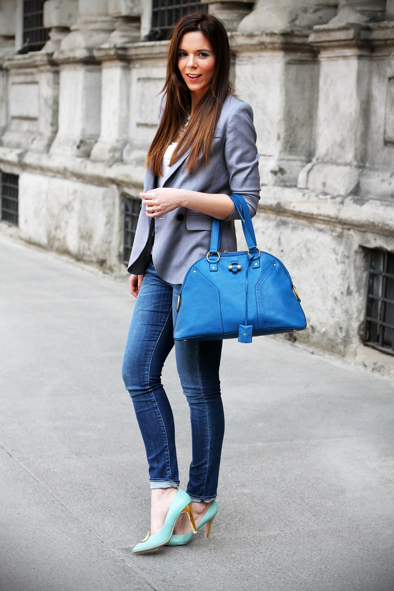 giorno a milano | outfit | look | streetstyle milano |  denim | jeans | blazer grigio | collana primark | giacca grigia | decollete geox | scarpe geox | decollete celesti | borsa ysl | borsa ysl muse | borsa ysl | borsa yves saint laurent | fashion blogger  2
