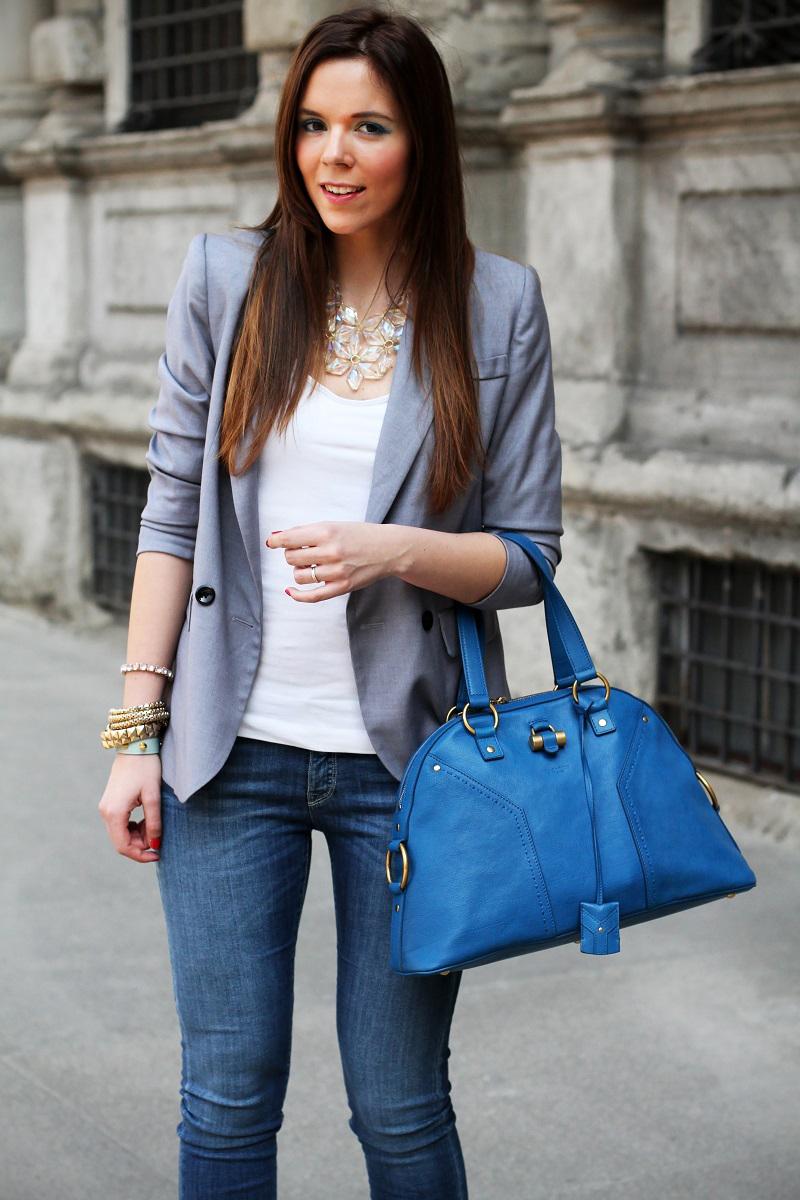 giorno a milano | collana trasparente | collana importante | accessori primark | trucco blu | trucco celeste | trucco naturale | trucco dior | blazer grigio | mezzo busto | fashion blogger | look | outfit