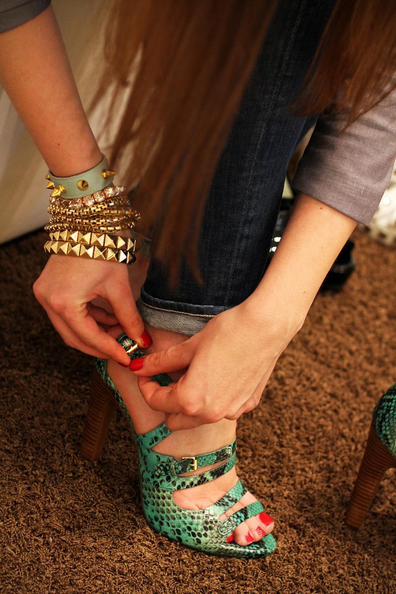 scarpe con lacci | scarpe | scarpe geox | negozio milano | milano | shopping milano | scarpe pitonate | decollete | zeppe | scarpe con il tacco | ossessione scarpe