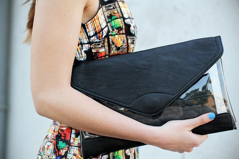 vestito | vestitino | colletto bianco | vestito corto | vestitino | streetstyle | outfit | look | pochette | rossetto rosso | decollete nere | fashion blogger italia | fashion blogger | irene colzi 4