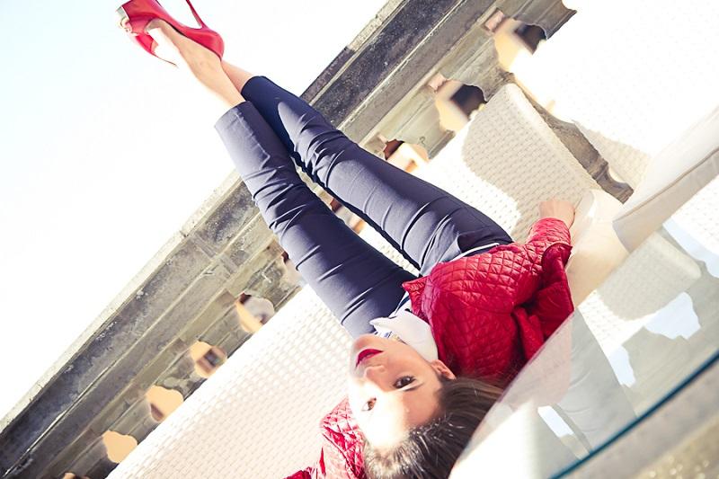 gambe sollevate | giacca rossa| pantaloni capri | tacchi rossi | fashion report | irene colzi | irene closet | fashion blogger italia