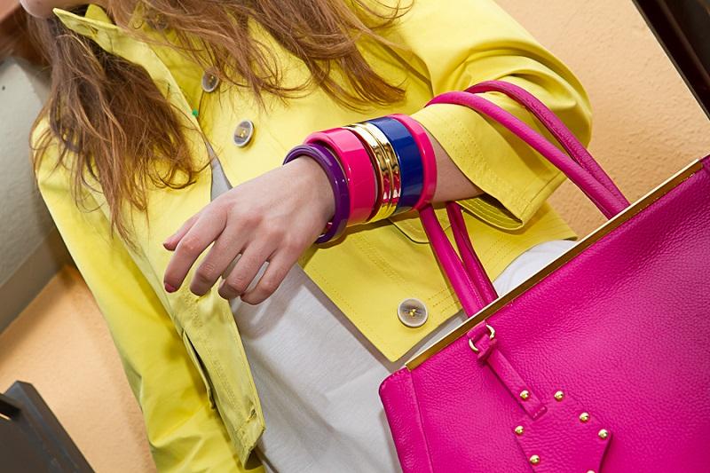 borsa fucsia | giacca gialla | bracialetti colorati | primavera estate 2013 | moda | valdichiana outlet | fashion report | irene colzi | irene closet | fashion blogger italia
