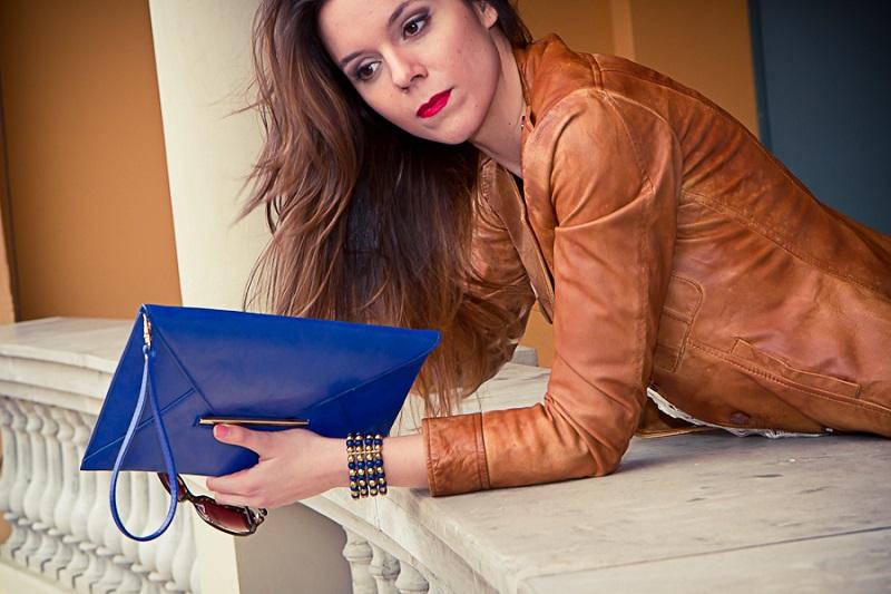 borsa blu | pochette blu | giacca marrone | primavera estate 2013 | moda | valdichiana outlet | fashion report | irene colzi | irene closet | fashion blogger italia