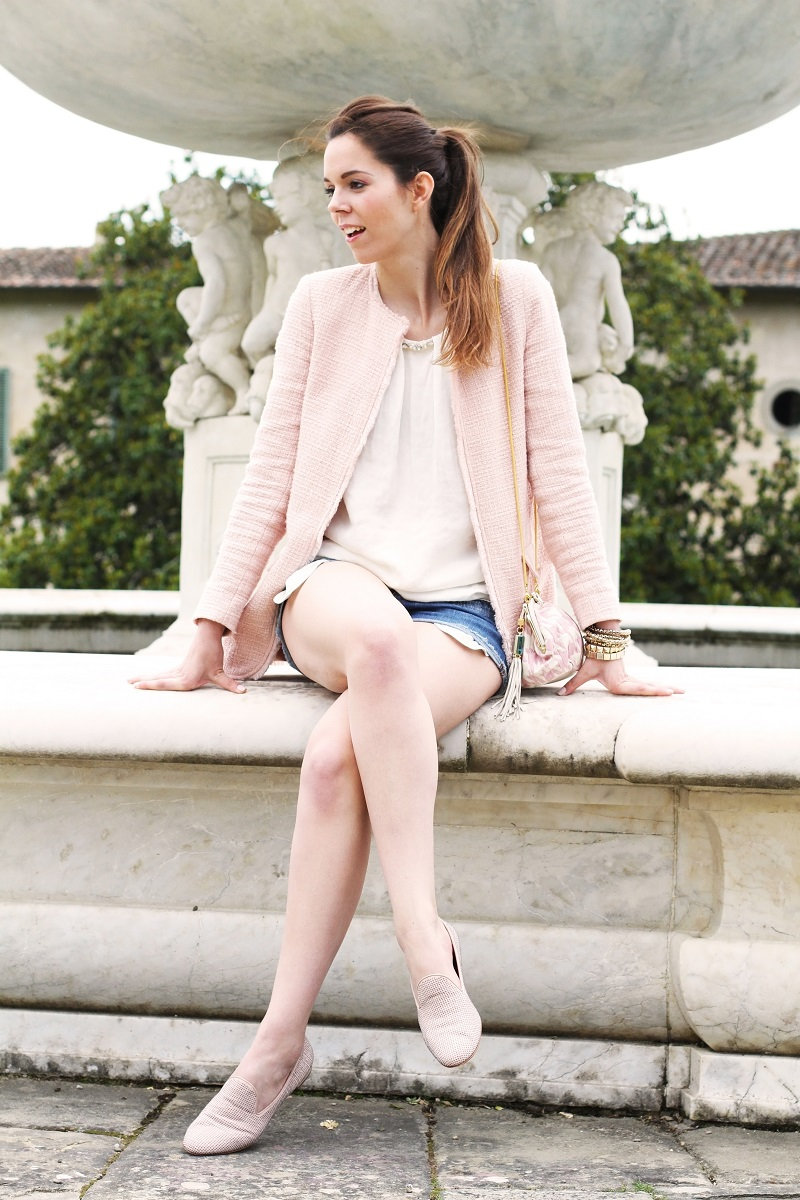 villa medicea | villa castello | irene colzi | irene closet | fashion blog | fontana rinascimentale | rosa pastello | rosa baby | slippers uno8uno | slippers | spolverino rosa | cappotto rosa | swarovski | fix design | borsa fixdesign 3