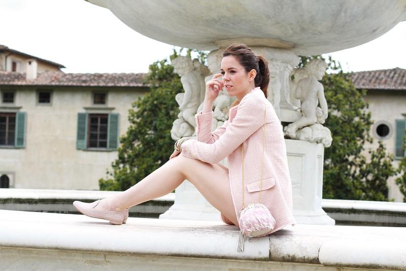 villa medicea | villa castello | irene colzi | irene closet | fashion blog | fontana rinascimentale | rosa pastello | rosa baby | slippers uno8uno | slippers | spolverino rosa | cappotto rosa | swarovski | fix design | borsa fixdesign 4