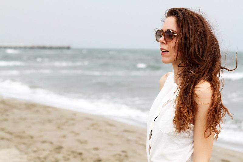 capelli castani | ragazza al mare |  outfit | look | forte dei marmi | mare | spiaggia (3)