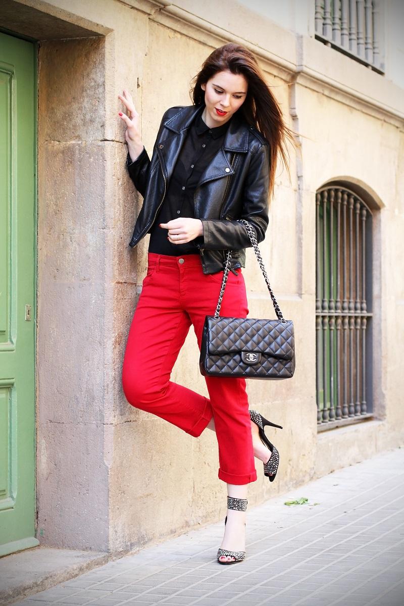 boyfriend jeans | boyfriend denim | chanel | borsa chanel | rossetto rosso | capelli lisci | capelli castani | outfit | look | fashion blogger | sandali gioiello | scarpe aldo