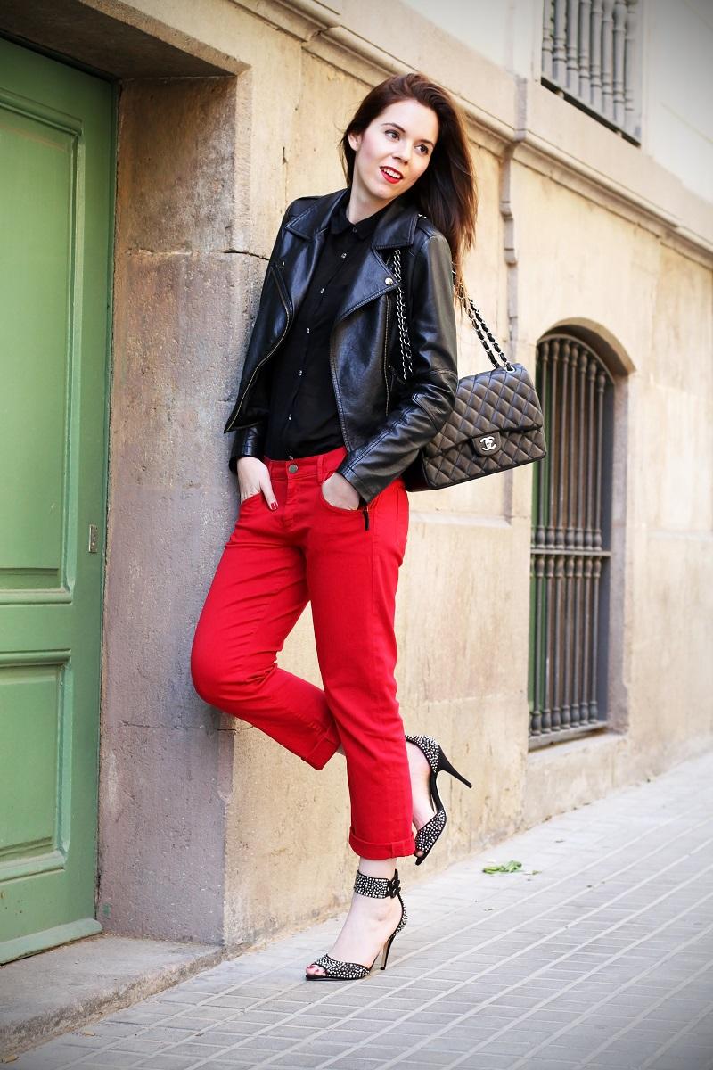 boyfriend jeans | boyfriend denim | chanel | borsa chanel | rossetto rosso | capelli lisci | capelli castani | outfit | look | fashion blogger | sandali gioiello | scarpe aldo  3