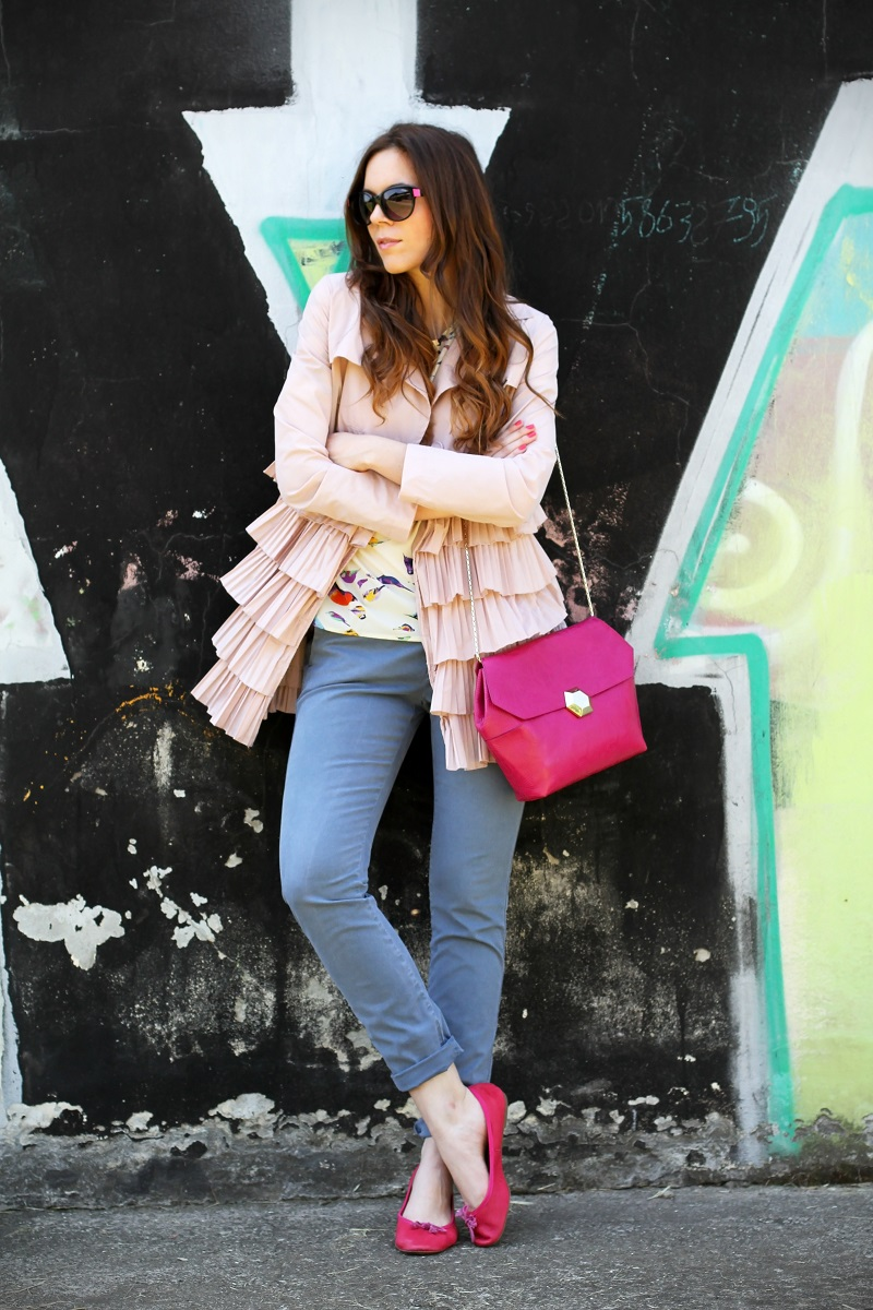 trench rosa | occhiali da sole | occhiali da sole sting | outfit | look | ballerine rosa | borsa bulgari | borsa bvlgari | fashion blog | fashion blogger | fashion blogger italia 1