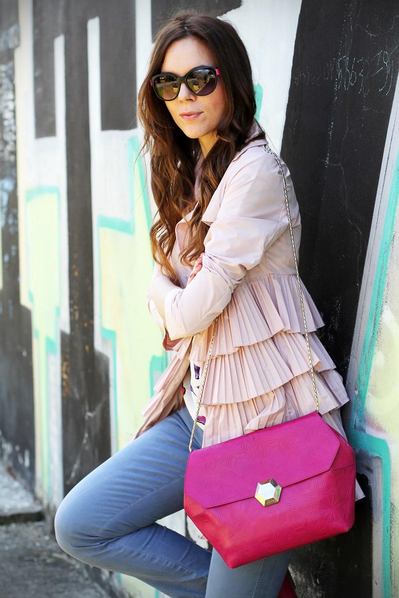 trench rosa | occhiali da sole | occhiali da sole sting | outfit | look | borsa bulgari | borsa bvlgari | fashion blog | fashion blogger | fashion blogger italia 3