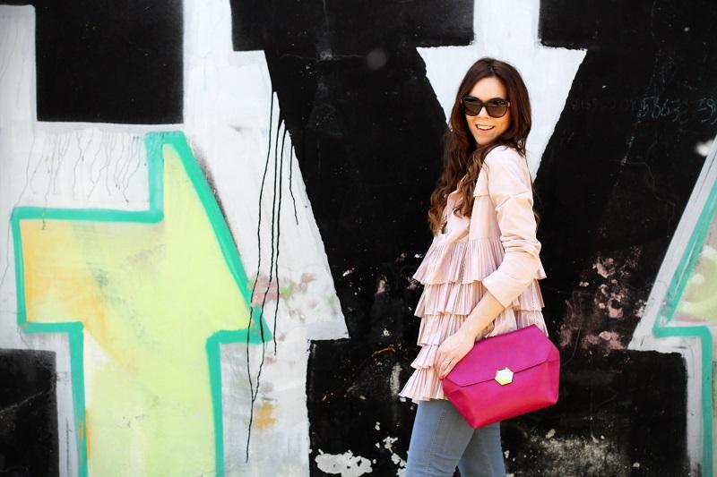 trench rosa | occhiali da sole | occhiali da sole sting | outfit | look | borsa bulgari | borsa bvlgari | fashion blog | fashion blogger | fashion blogger italia 4