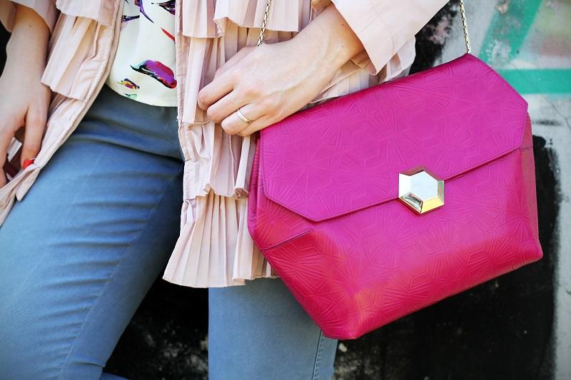 dettagli | fashion details | borsa bulgari | borsa bvlgari | borsa fucsia  1