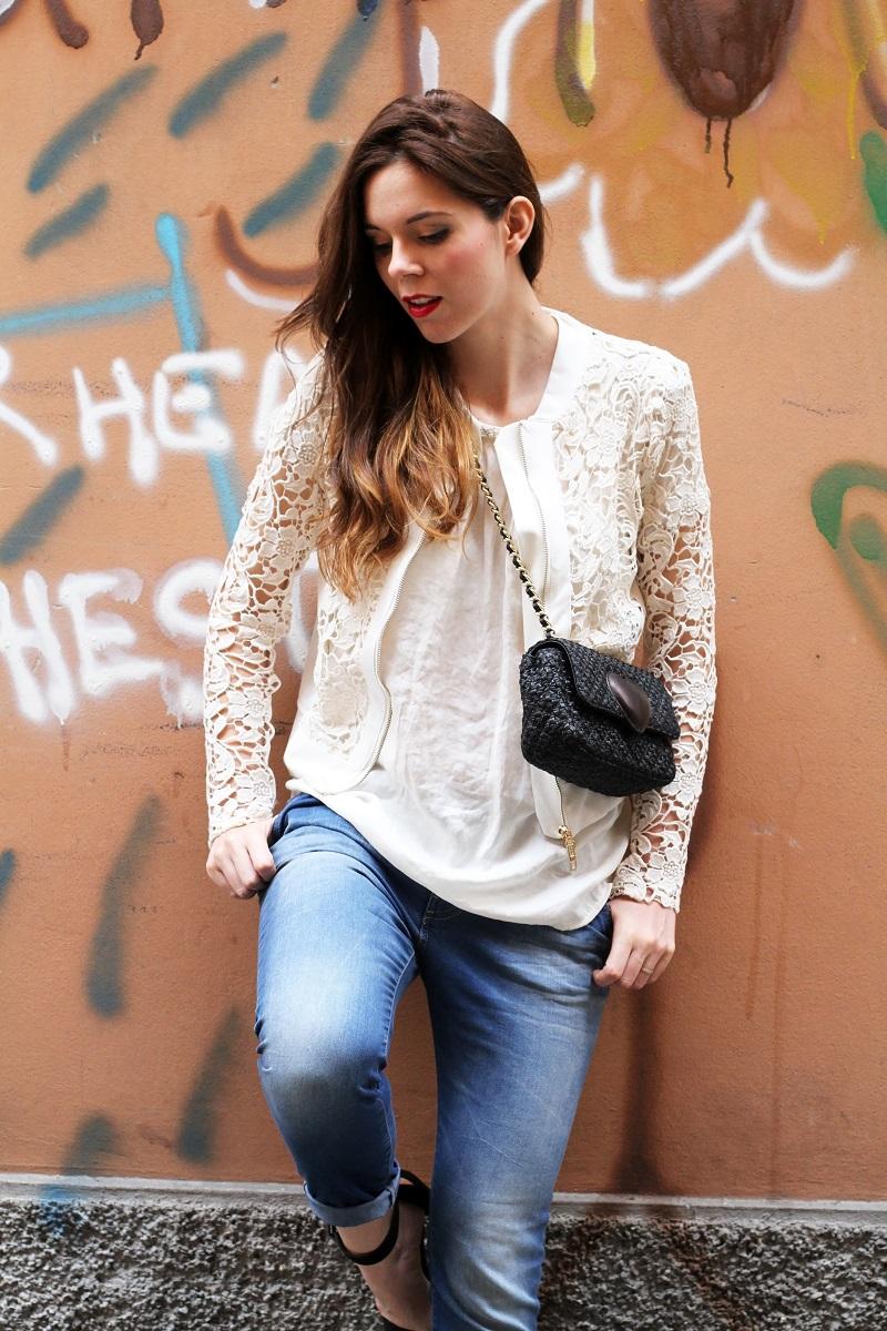 fashion look | giacca bianca| giacca pizzo | borsa moschino | borsa rafia | outfit | look | rinascimento moda | jeans boyfriend |  capelli mossi | capelli ricci | capelli luminosi | fashion blogger | irene colzi | irene's closet | shooting moda | servizio fotografico 4 5