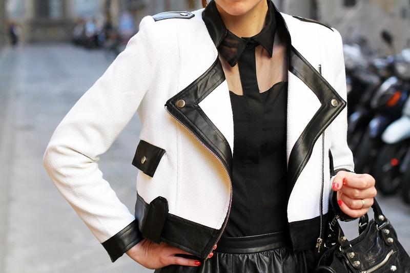 dettaglio fashion   fashion detail   giacca bianca   giacca bianca e nera   gonna pelle   balenciaga   borsa balenciaga   fashion blog   fashion blogger   outfit   look   streetstyle   irene colzi   irene closet 1