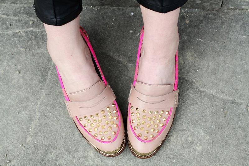 kurt geiger | mocassini | mocassini borchie | scarpe beige | scarpe particolari | mocassini particolari