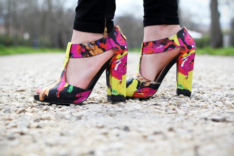 sandali colorati | kate maconie | sandali tacco grosso | scarpe fashion | sandali fashion | scarpe fashion blogger | dettagli outfit | dettagli fashion