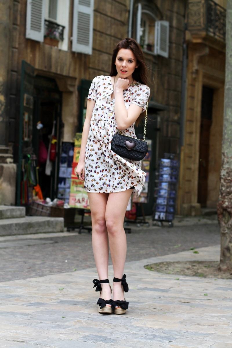 redsoul | aix-en-provence | moschino | borsa moschino | scarpe zeppa corda | lolita | fashion blogger | outfit | look | moda | vestito mare | vestito campagnolo | evento bloggers | evento redsoul | irene closet | irene colzi 1