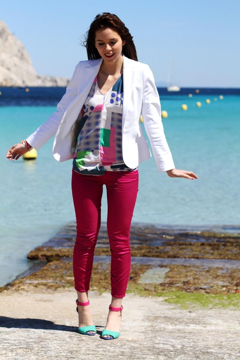 calanque | redsoul | provence | marseille | aix en provence | provenza | fashion blog | fashion blogger | outfit | look | mare | spiaggia | giacca bianca | canottiera colorata | pantaloni fucsia | golden sign | pantaloni capri | scarpe multicolore | scarpe colorate 4