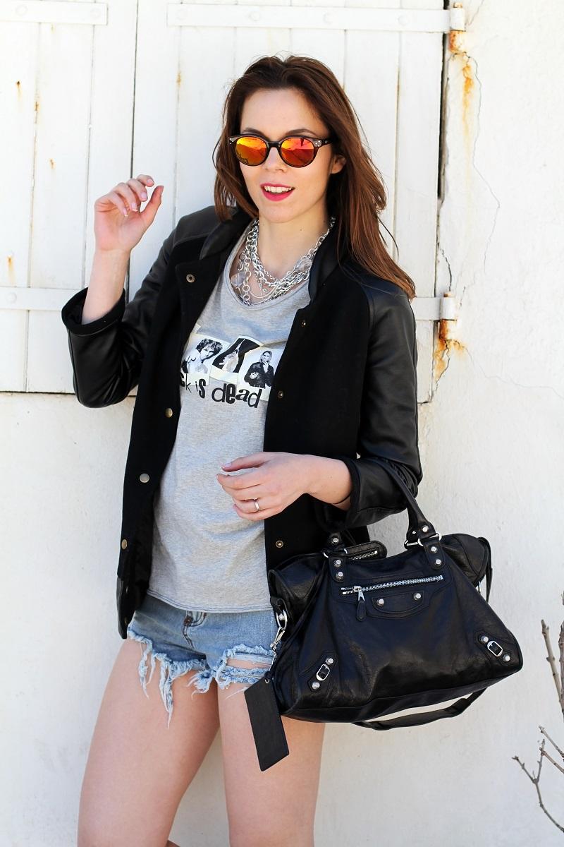 irene colzi | irene closet | fashion blogger | moda | fashion | occhiali da sole specchiati | mirror sunglasses | spektre | versity jacket | shorts jeans | mini shorts | balenciaga | borsa balenciaga | outfit casual 2
