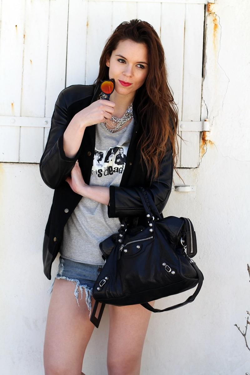 irene colzi | irene closet | fashion blogger | moda | fashion | occhiali da sole specchiati | mirror sunglasses | spektre | versity jacket | shorts jeans | mini shorts | balenciaga | borsa balenciaga | outfit casual