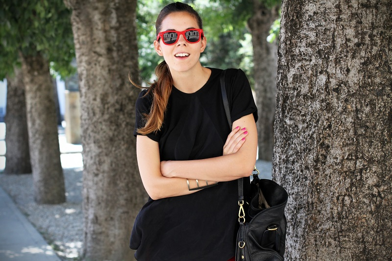 SHORTS | OUTFIT | LOOK | CHIC | FASHION BLOGGER |  FASHION BLOG | OCCHIALI DA SOLE | IRENE COLZI | IRENE CLOSET |  BORSA PRADA  | PANTALONCINI CORTI  ROSSI 6