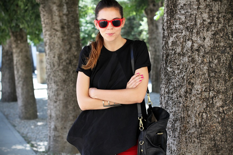 SHORTS | OUTFIT | LOOK | CHIC | FASHION BLOGGER |  FASHION BLOG | OCCHIALI DA SOLE | IRENE COLZI | IRENE CLOSET |  BORSA PRADA  | PANTALONCINI CORTI  ROSSI 3