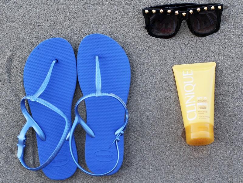 HAVAIANAS | infradito | sandali mare | infradito mare | solare | occhiali da sole | borchie | estate | mare