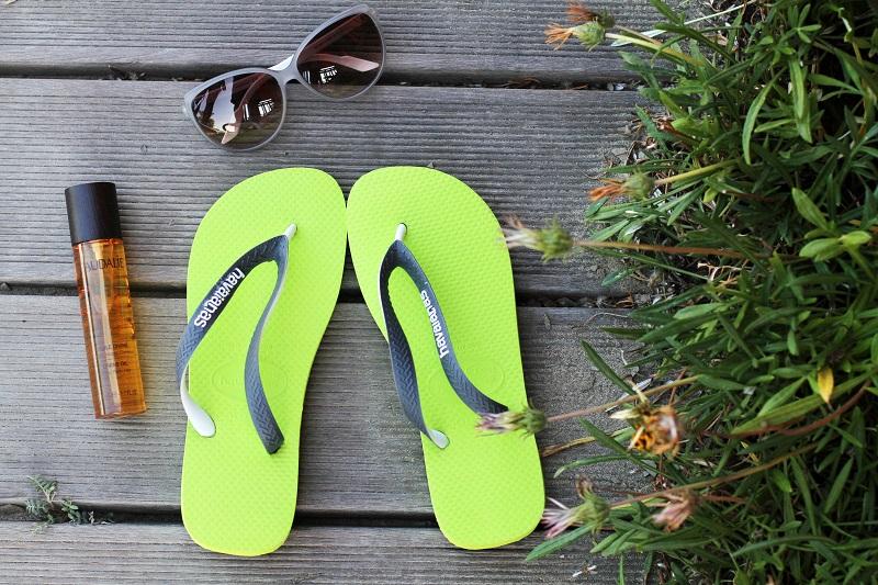 HAVAIANAS | infradito | sandali mare | infradito mare | solare | occhiali da sole | fluo | estate | mare