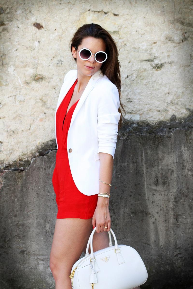 tuta | tutina | blazer | blazer bianco | giacca bianca | occhiali da sole rotondi | occhiali da sole | prada | borsa prada | borsa bianca | moda | fashion | fashion blogger | streetstyle | outfit | look 2