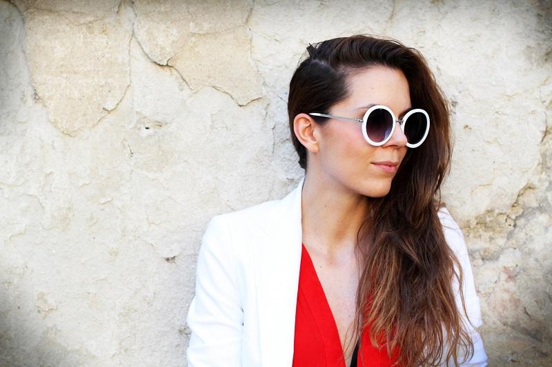 blazer | blazer bianco | giacca bianca | occhiali da sole rotondi | occhiali da sole |moda | fashion | fashion blogger | streetstyle | outfit | look