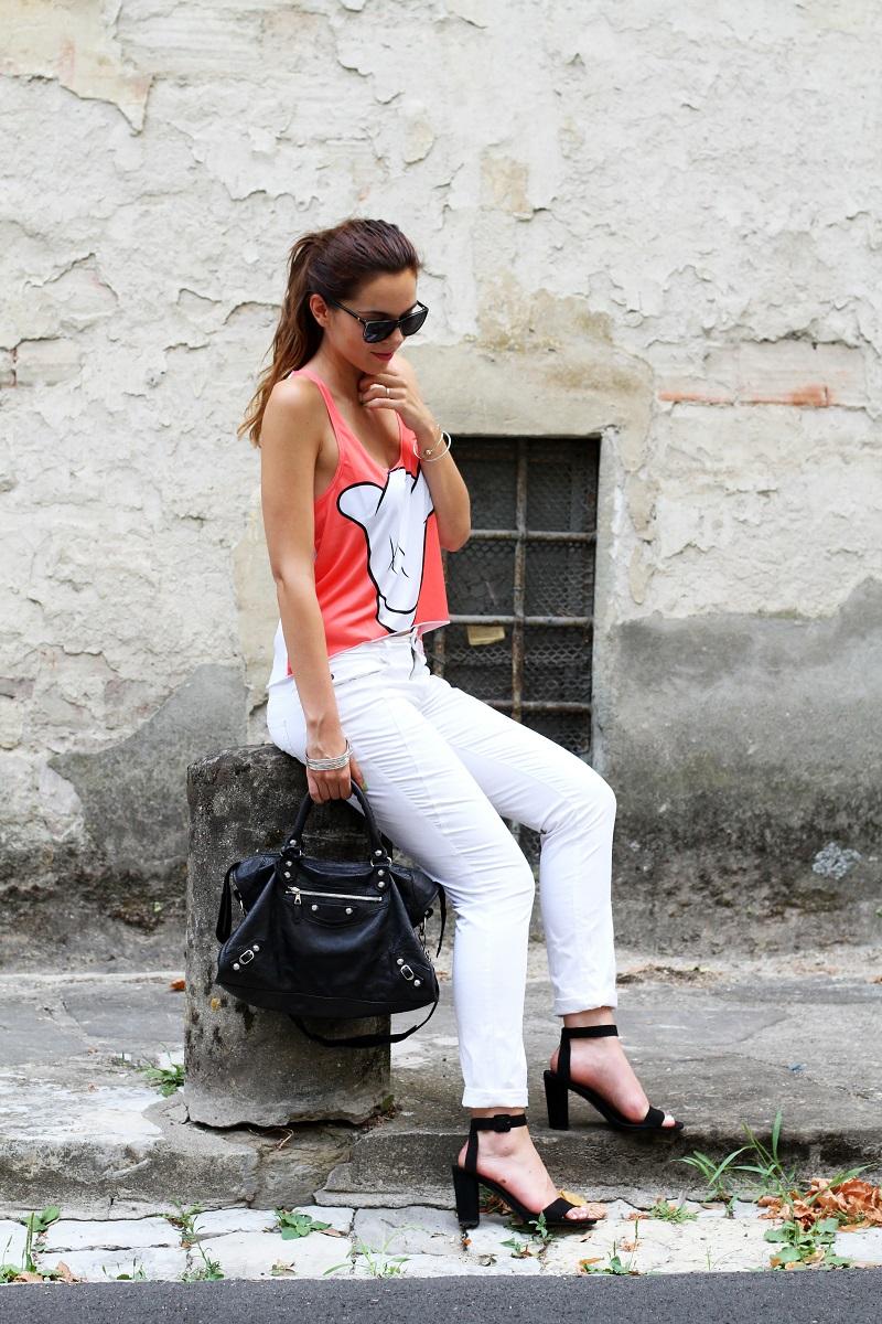 collezione primavera estate 2013 | crop top | pantaloni bianchi | tshirt simpatica | laura biagiotti | borsa balenciaga | borsa | scarpe zara 1