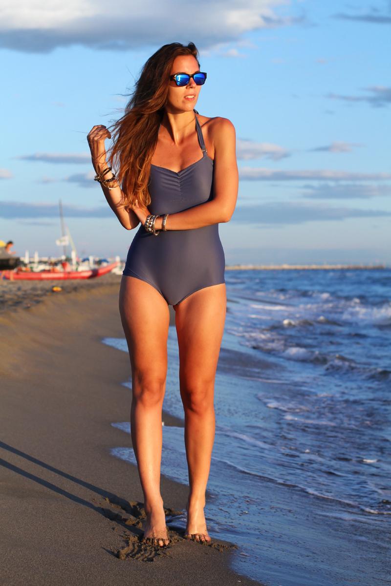 Costume da bagno | costume intero | fashion blogger  bikini | bikini irene colzi | occhiali da sole lenti specchio 10
