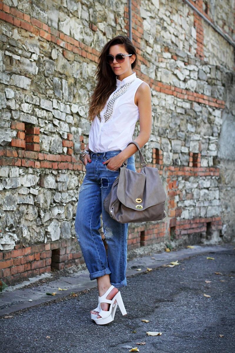 postina zanellato | jeans boyfriend | asos | stefanel | camicia borchie | camicia sbracciata | occhiali gucci | shatush | scarpe bianche con tacco
