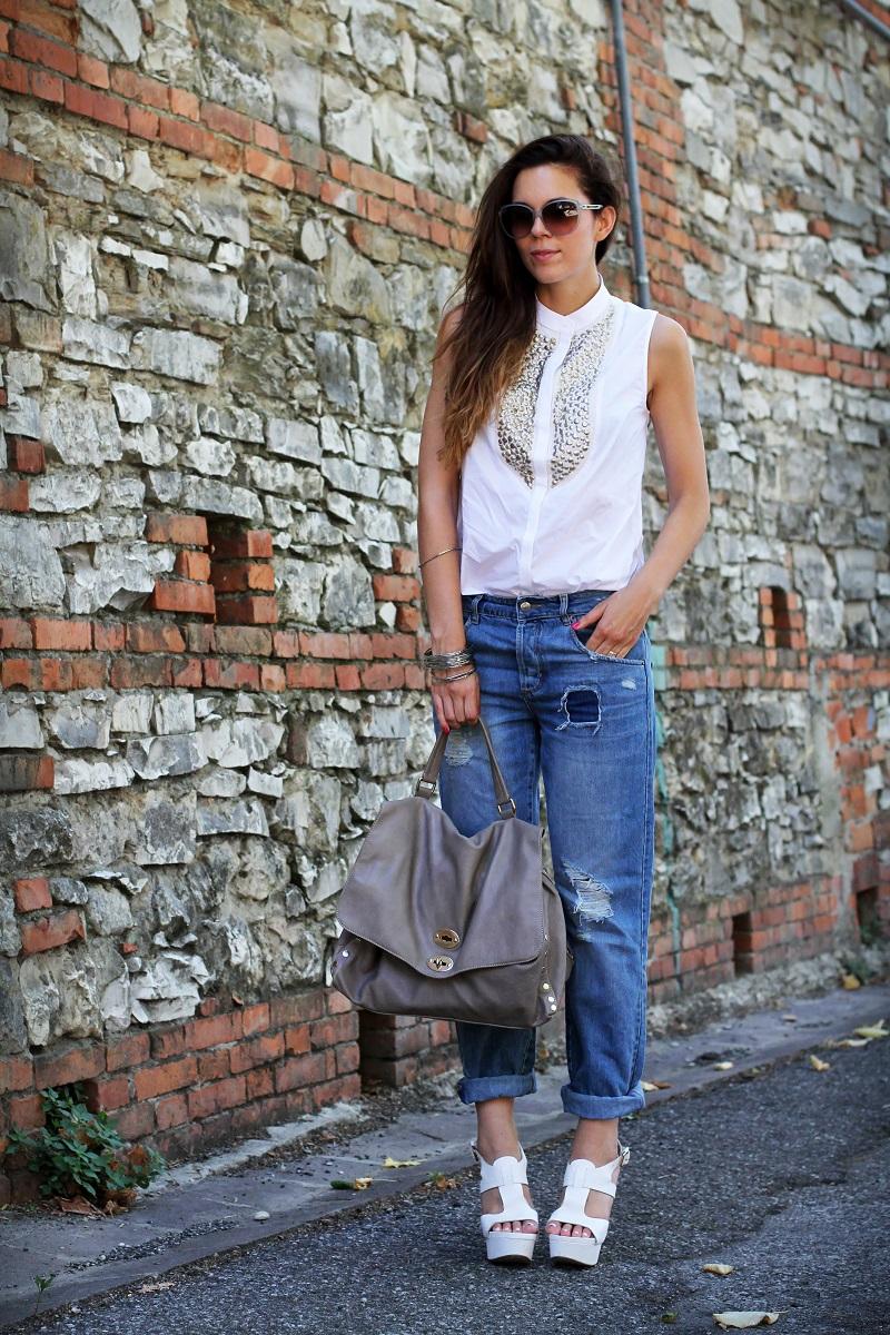 postina zanellato | jeans boyfriend | asos | stefanel | camicia borchie | camicia sbracciata | occhiali gucci | shatush | scarpe bianche con tacco 1