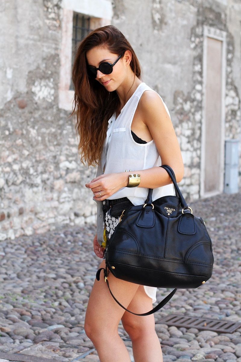 handbag prada price - Trento: 48 ore attraverso le fotografie tra outfits e cagnolini