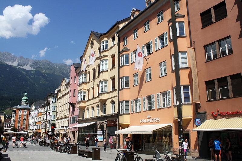 innsbruck | austria | foto innsbruck | case colorate | montagna | tirolo